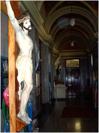 St. Mary of the Angels Chicago - INRI crucifix removed