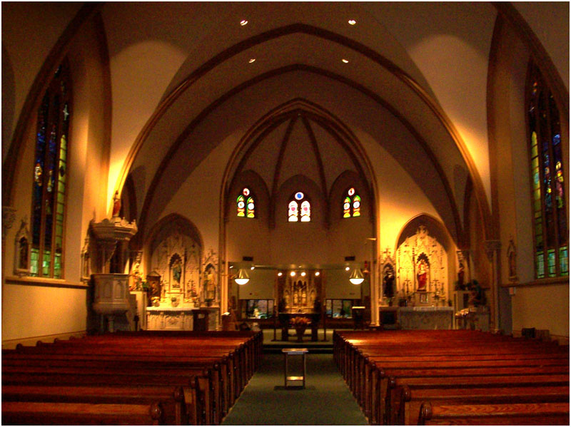 St Mary Parish Buffalo Grove IL - Missing an Altar
