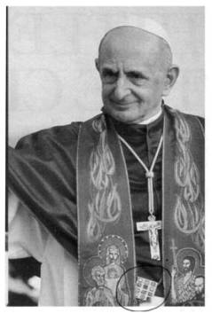 Antipope Paul VI wears the ephod, the Jewish symbol of the 12 Tribes