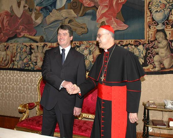 What is the mark on the right hand the masonic handshake masonic handshake cardinal tarcisio bertone m4hsunfo Image collections